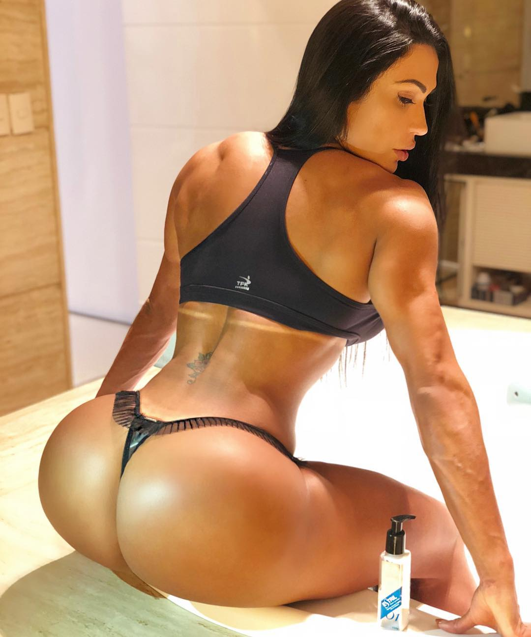 Big fitness ass — photo 8